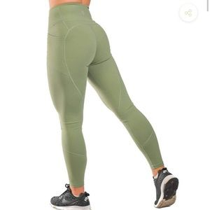 Til You Collapse Heart Booty Leggings Sage XS